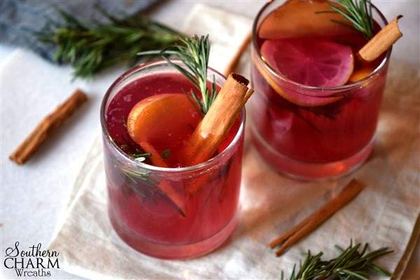 This warm fall mocktail is tasty and will make your home smell amazing by www.southerncharmwreaths.com/blog/