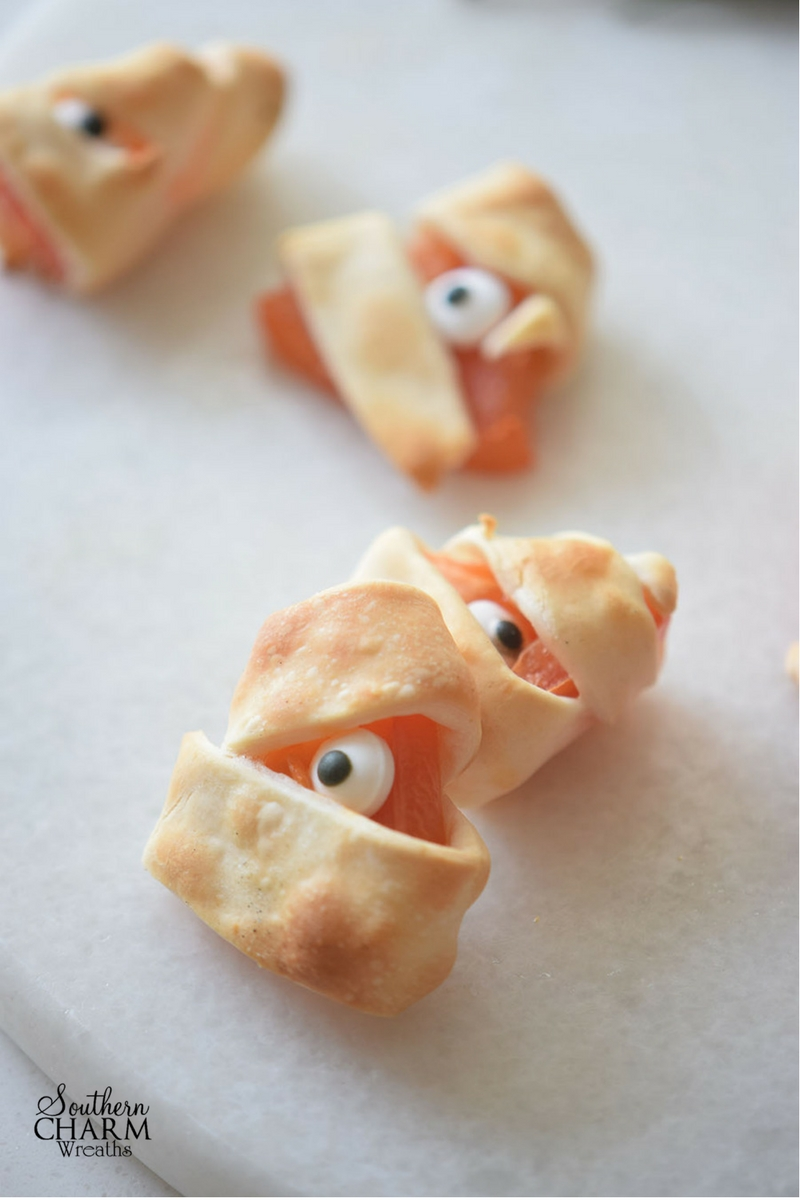 Monster Bites recipe perfect for Halloween parties by www.southerncharmwreaths.com/blog