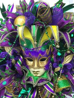 deco-mesh-mardi-gras-wreath-jester-mask-4-300-x-400