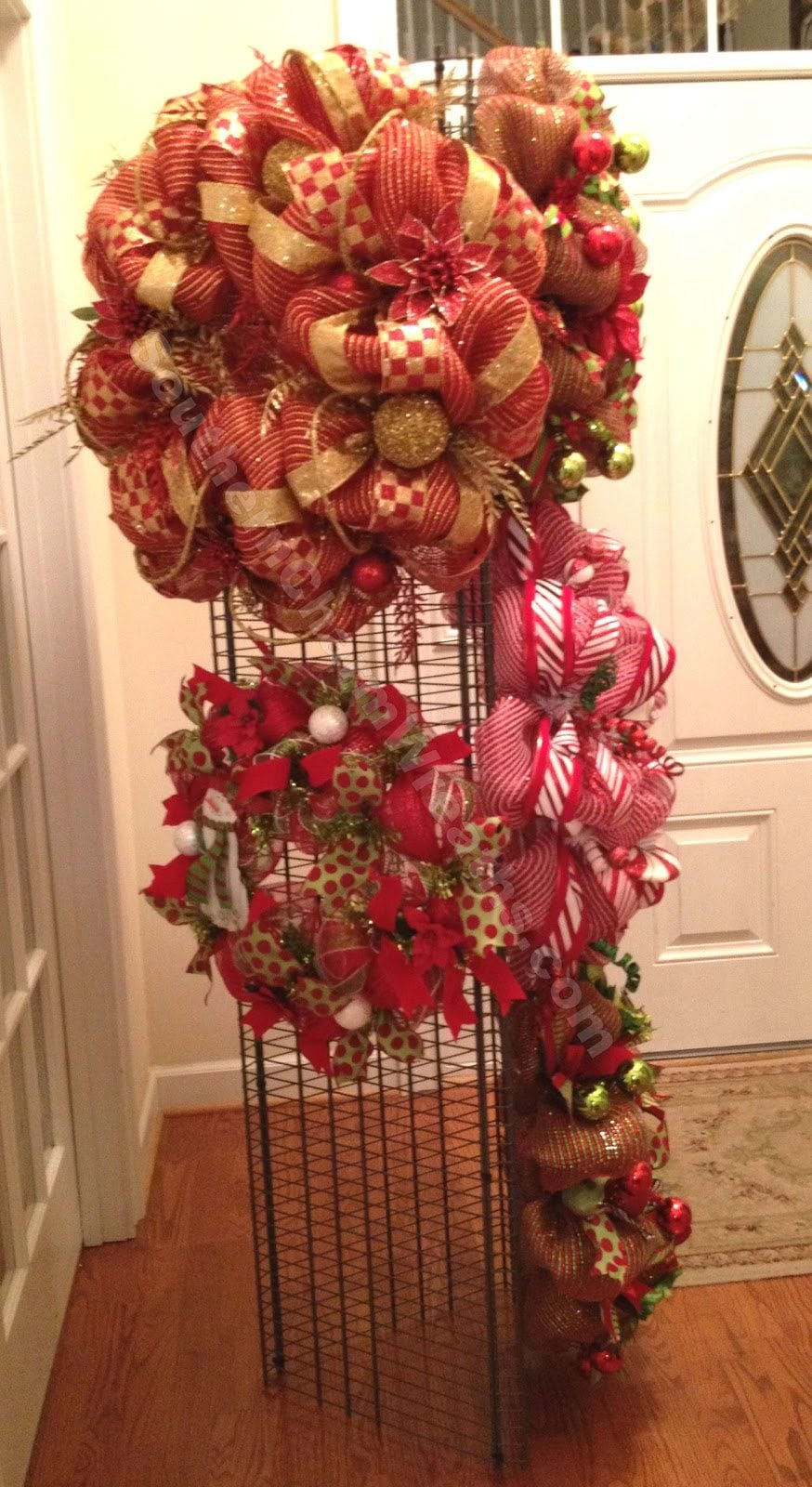 How to Make a Wreath Display for Craft Fair or Storage