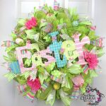 Make Deco Mesh Wreaths – Sign Tips