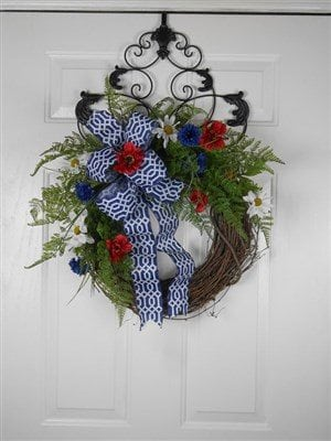 30 amazing 4th of july wreath ideas for your door for Amazing wreaths
