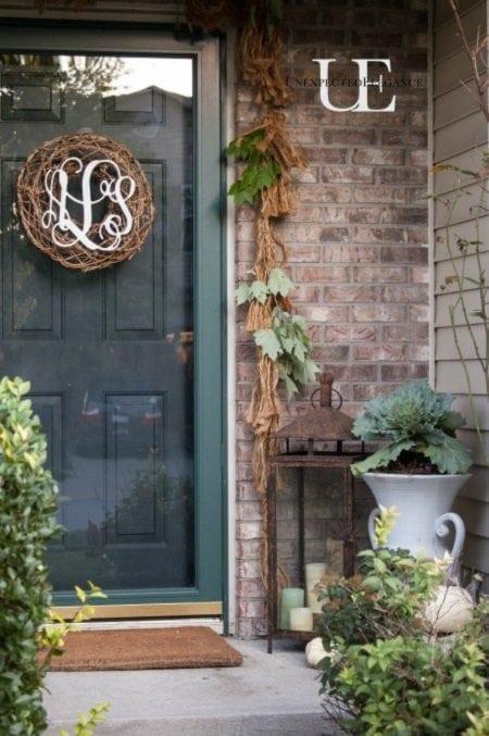 15 Gorgeous Fall Porch Ideas using lanterns.