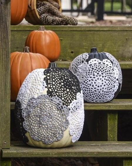 15 Gorgeous Fall Porches including how to make pumpkins