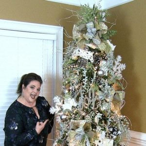 How to make a designer Christmas Tree by Southern Charm Wreaths